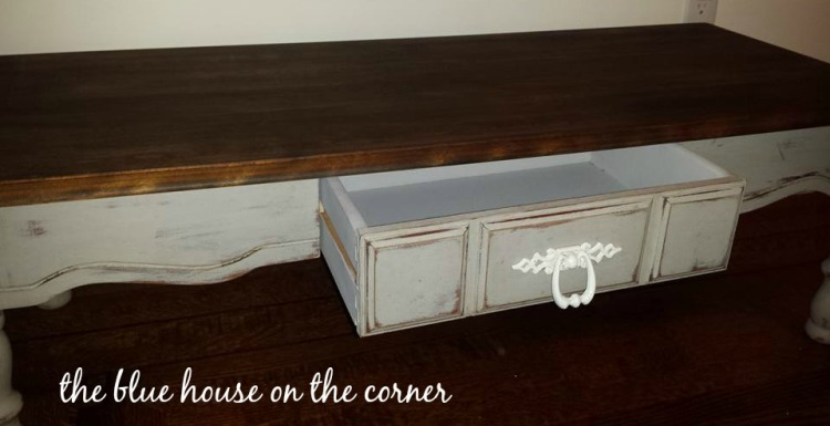 chalk-paint-coffee-table-makeover-6