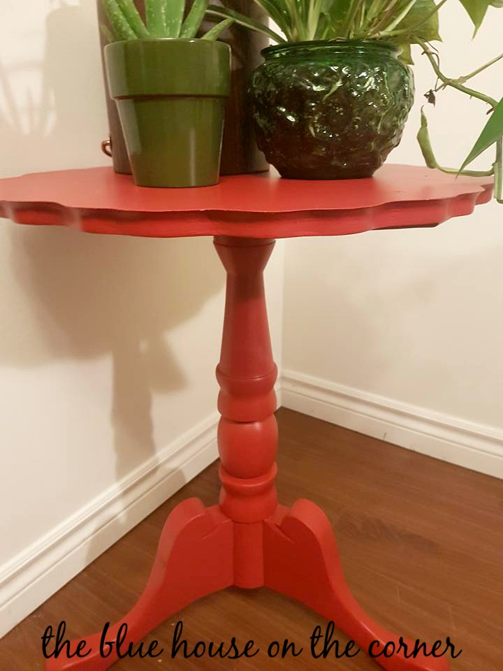 Red Accent Table 16