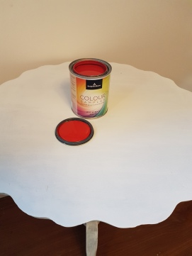 Red Accent Table 5